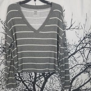 {NWT} PINK | Grey & White Long Sleeve Cropped Tee
